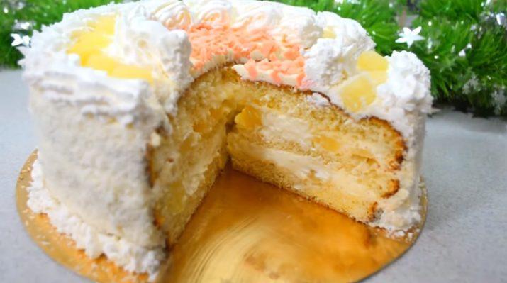 Очень красивый и вкусный бисквитный торт «Пина Колада»