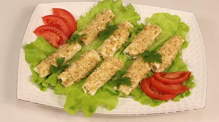 Быстрая закуска для праздника: вкусные сырные трубочки