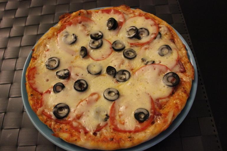 Аппетитная пицца (готовим в мультиварке)