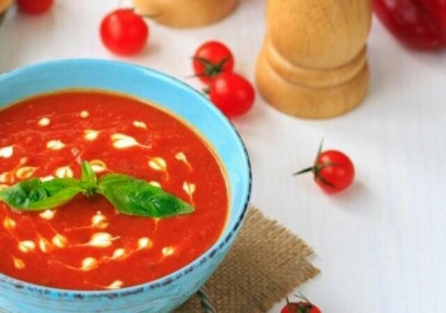 Ароматный суп-пюре из печёных томатов