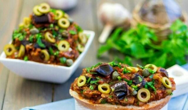 """Восхитительное овощное рагу с баклажанами """"Капоната"""""""