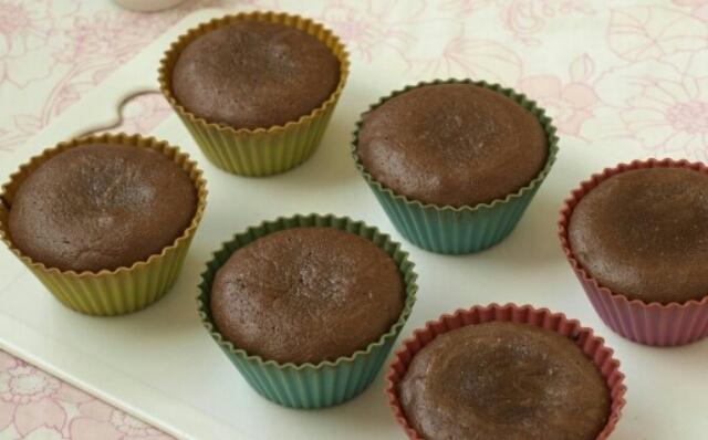 Восхитительные шоколадные кексы с жидкой начинкой