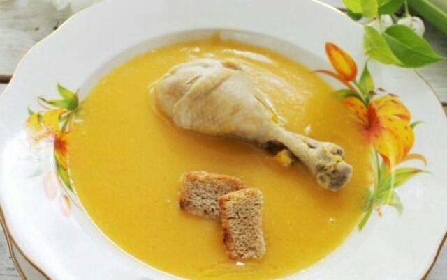 Аппетитный куриный суп-пюре с тыквой
