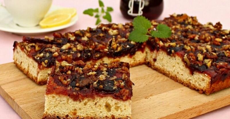 Восхитительный пирог со сливовым вареньем