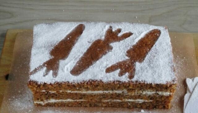 Потрясающий морковный торт со сметанным кремом