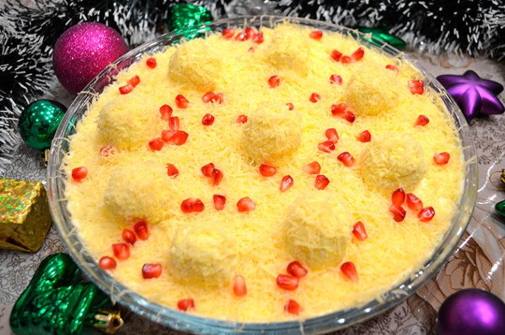 Очаровательный салат «Снежные сугробы»: на новогодний стол