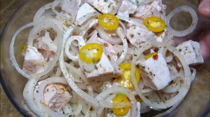Такого вы еще не пробовали: салат-шашлык – два любимых блюда в одном