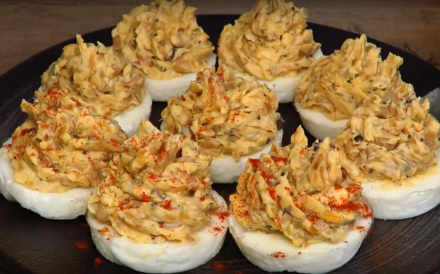 Новая шикарная закуска на праздничный стол-фаршированные яйца