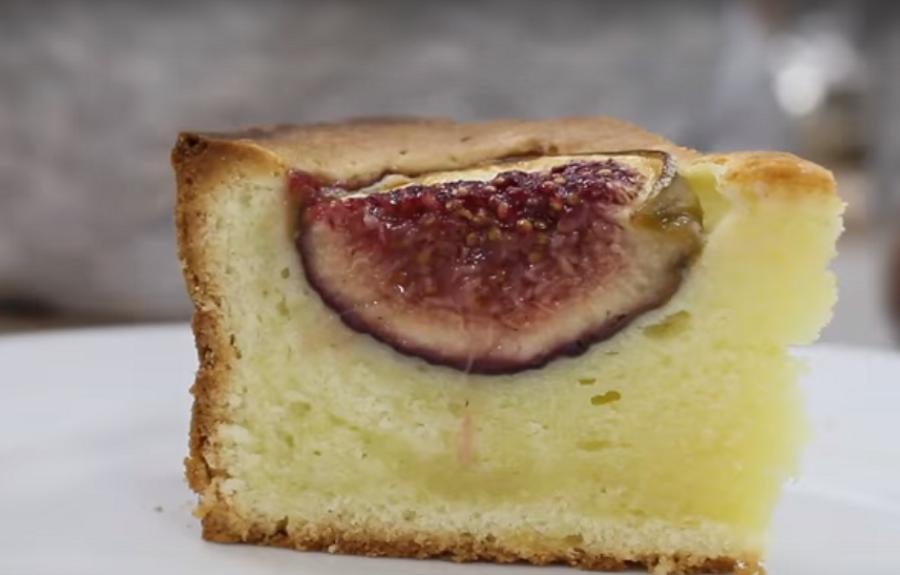 Ароматный пирог с инжиром на оливковом масле
