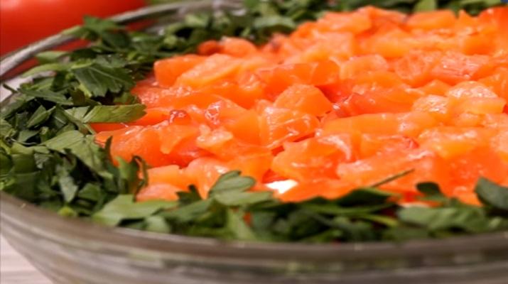Изумительный салат «Праздник»: для любого праздничного стола