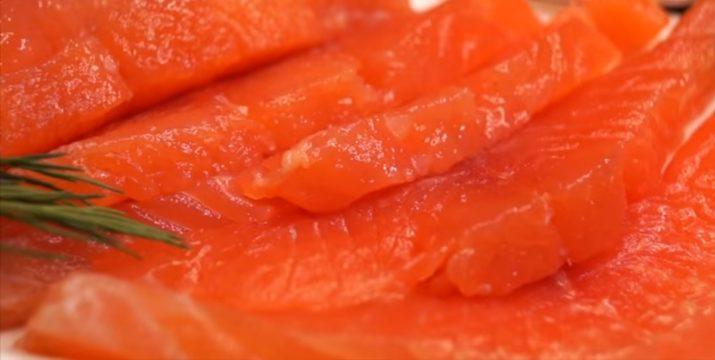 Всегда удачная малосольная красная рыба: как в ресторане