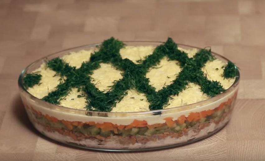 """Простой и вкусный салат """"Заботливая жена"""""""