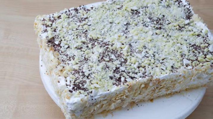 Легкий торт на скорую руку из слоеного теста: готов уже через 20 минут
