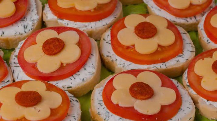 Красивые бутерброды на праздничный стол: три лучших рецепта