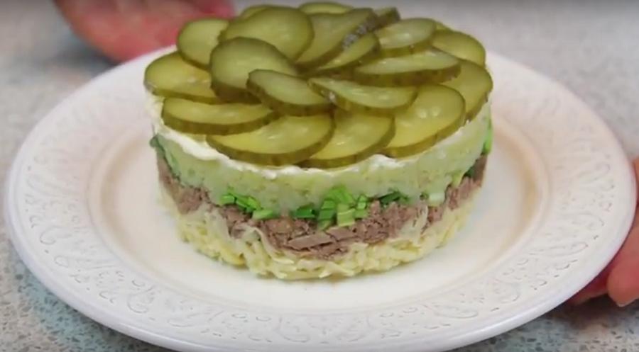 Потрясающий салат с печенью трески