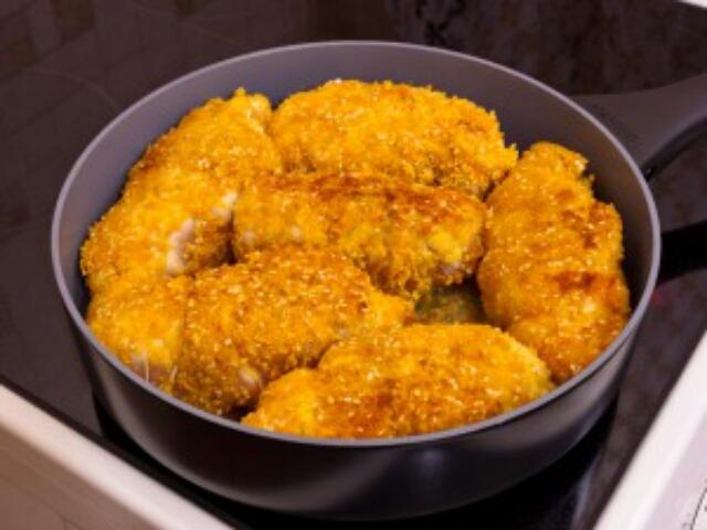 Потрясающее куриное филе, фаршированное ветчиной, сыром и ананасом
