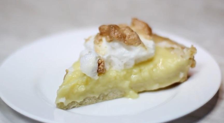 Вкуснейший ананасовый пирог с безе