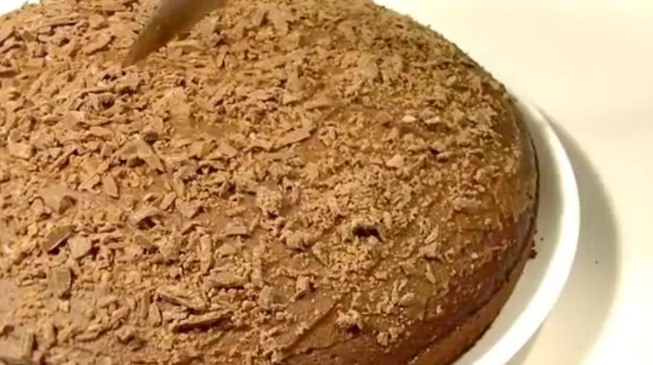 Быстрый шоколадный пирог к чаю