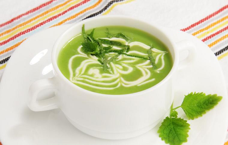 Восхитительный диетический суп-пюре из зеленого горошка