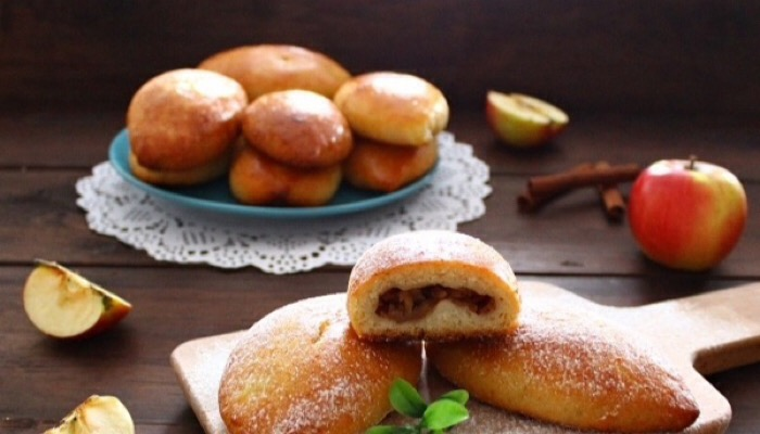 Обалденные пирожки с яблоками и корицей