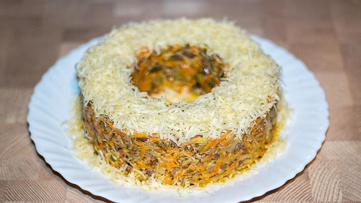 Отличный салат «Довольный муж»: вас будут носить на руках