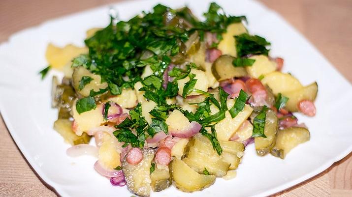 Картофельный салат-гарнир «Бавария»: очень просто и вкусно