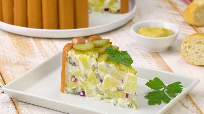 Оригинальный картофельный салат с сосисками: новый рецепт