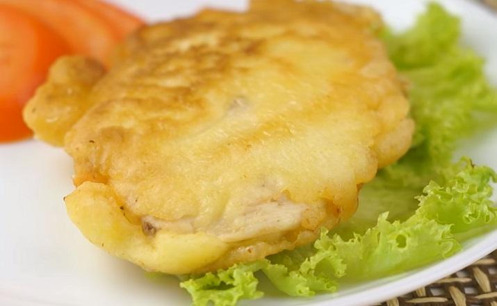 Сочные куриные отбивные в кляре c сыром: попробуйте – и будете готовить их всегда