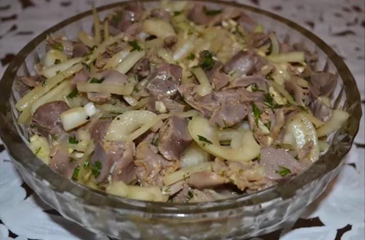 Вкусная и быстрая закуска: маринованные куриные желудки