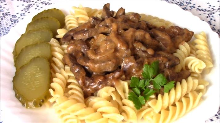 Блюдо для обеда или ужина: печень в соусе по-строгановски