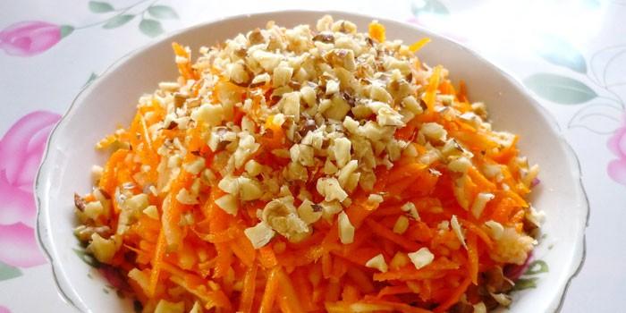 Салат из тыквы с яблоком и морковью: худеем со вкусом