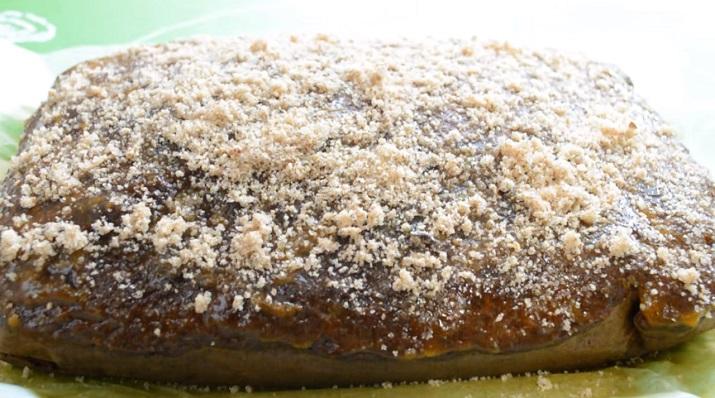 Сочный пирог с вареньем «Негр в пене»