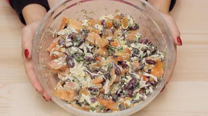 Невероятно вкусный салат за 5 минут «Гости на пороге»