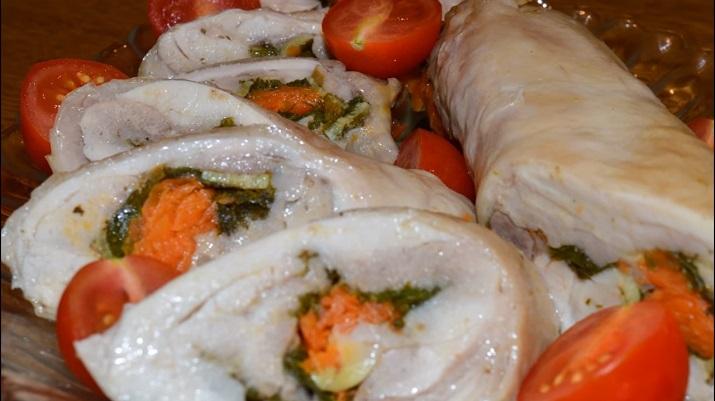 Вкусный и бюджетный вариант закуски: рулеты из окорочков
