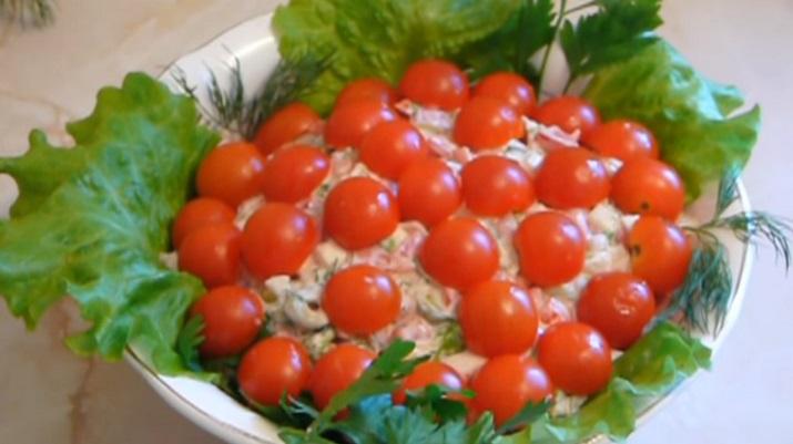 Изумительный салат на праздничный стол «Красная шапочка»