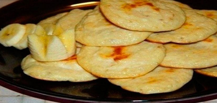 Вкуснейшая низкокалорийная выпечка: творожно-банановые лепешки