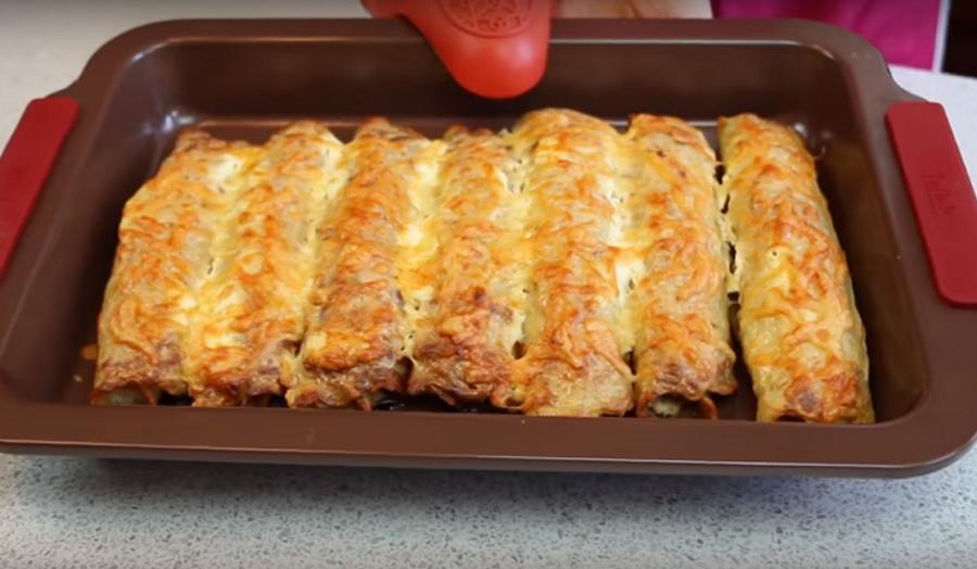 """Рулеты """"Курочка в драниках"""": вкусное и питательное блюдо для всей семьи"""