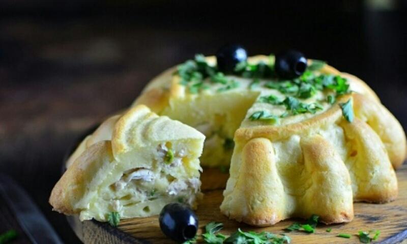 Мега аппетитный заливной пирог с курицей и сыром