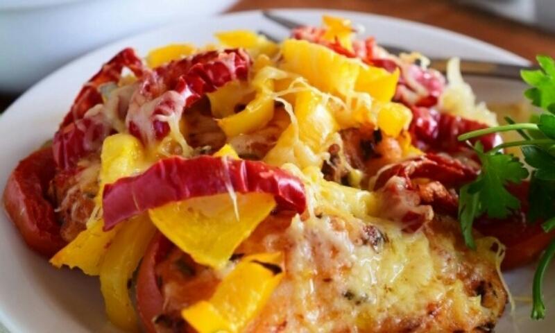 Потрясающе вкусное и сытное рыбное блюдо: морской язык с картошкой в духовке