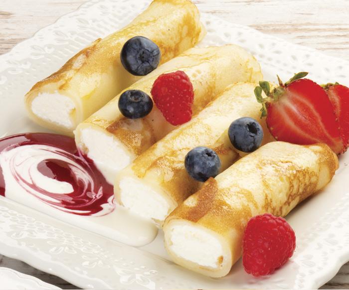 Полезный завтрак: диетические блинчики с ягодами