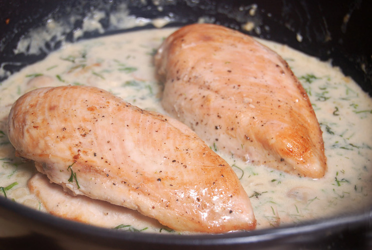 Идеальный ужин: куриное филе, запеченное в молоке