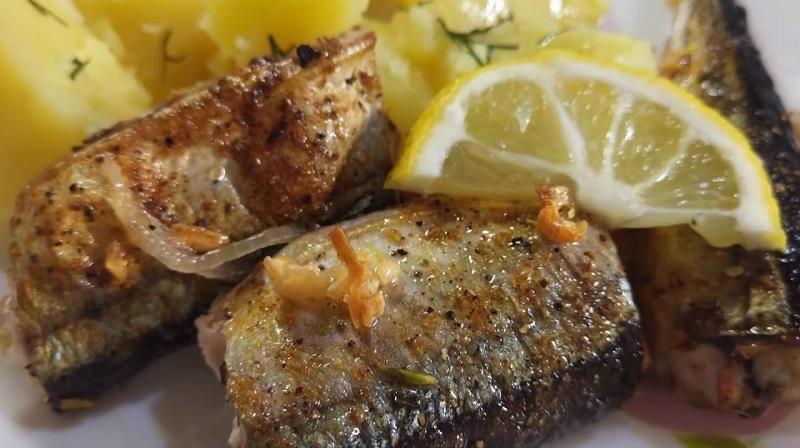Сайра, запеченная в духовке: очень полезно и вкусно