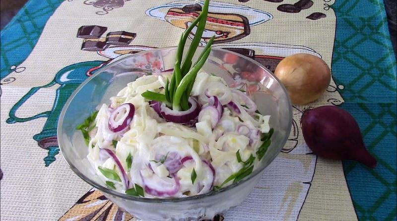 Пикантный салат «Чиполлино» из репчатого лука
