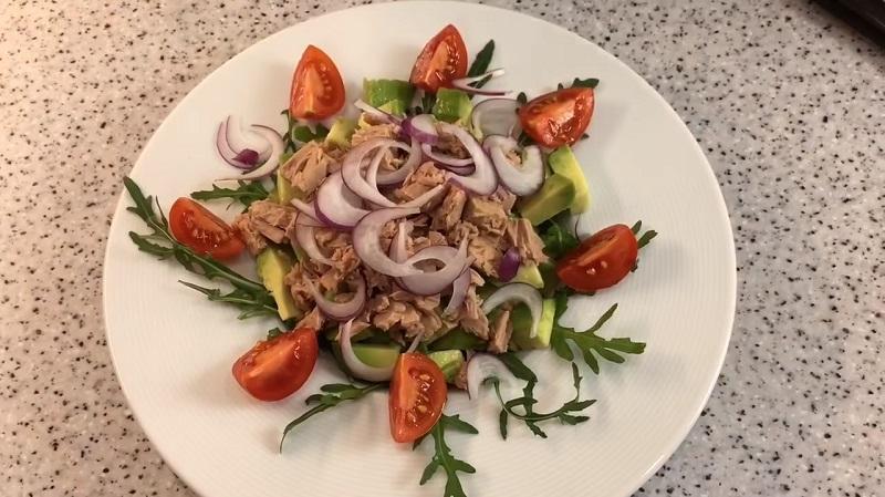 Очень полезный и невероятно вкусный салат «Женское здоровье»