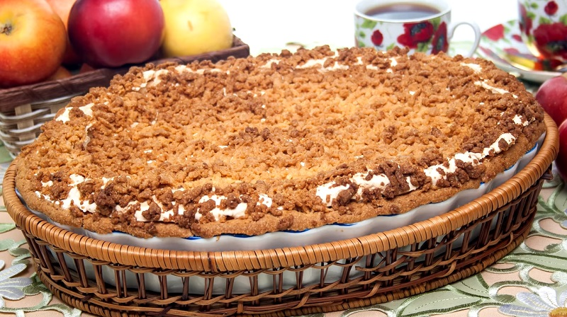 Безумно вкусный яблочный пирог из песочного теста