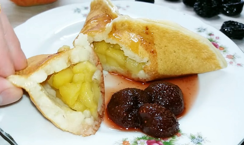 Оригинальные блины с яблоками: идеальный вкус без яиц и соды