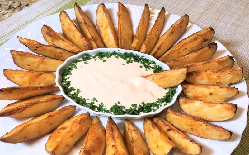 Изумительный картофель в духовке: обязательно попробуйте