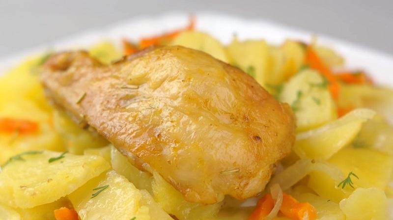 Картошка с курицей в духовке: бесподобный рецепт из доступных продуктов