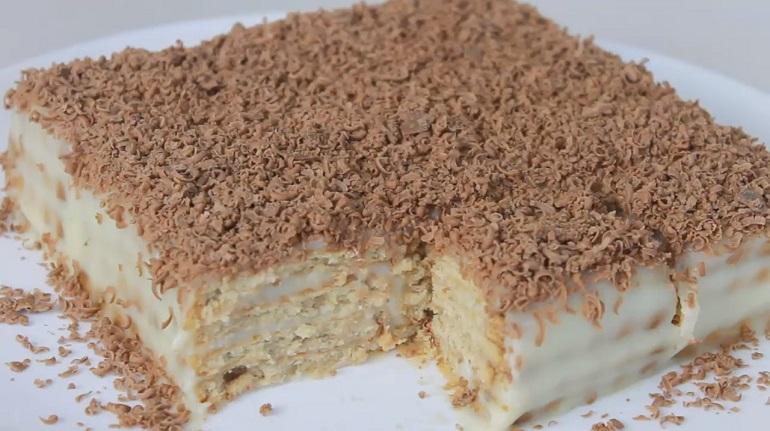 Бюджетный торт без выпечки за считанные минуты: вкусно, просто и быстро