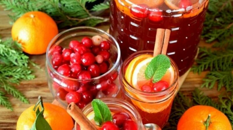 Потрясающий зимний напиток: безалкогольный клюквенный пунш